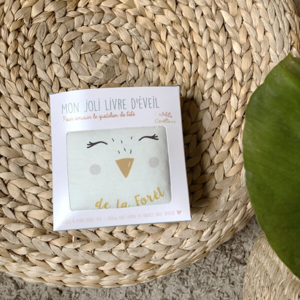 packaging-livre-eveil-animaux-foret-oekotex-eveil-bebe-cadeau-naissance-carotteetcie-scaled
